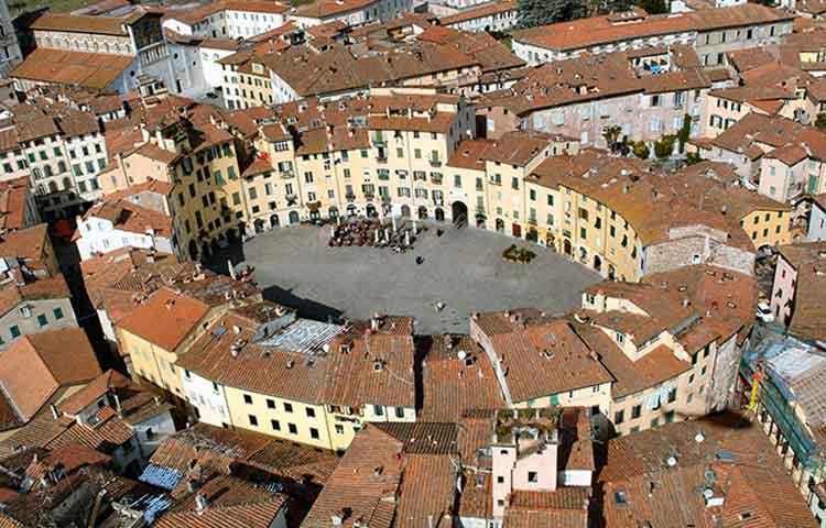 Florence and Lucca private full day tour