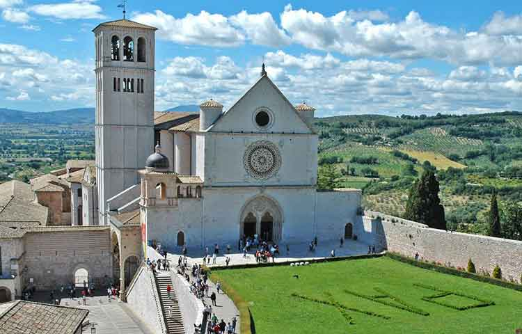 Cortona and Assisi private full day tour